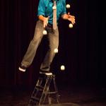Bronkar_juggle