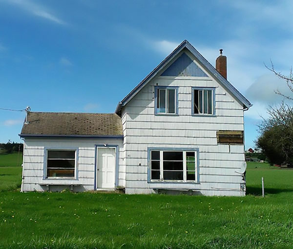 Kathy Baxter's house before restoration (photo courtesy of Friends of Ebey's)