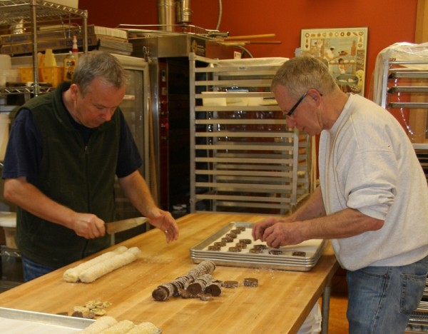 The teamwork of Gerry Betz and Larry Lowary make Tree-Top Baking a aromatic success. (Photos by Susan Wenzel)