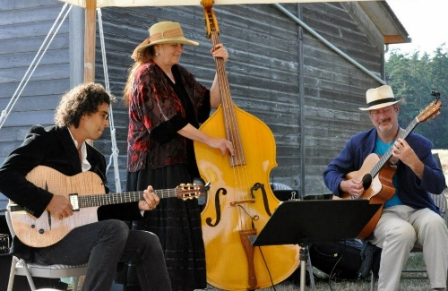 Trio Nouveau at Ebey's Reserve (500x325)