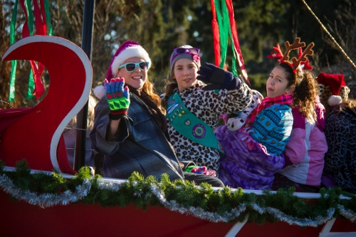 Crhistmas Parade 2013_Girl Scouts 42574 Welton photo Dec072013_0125 (500x333)