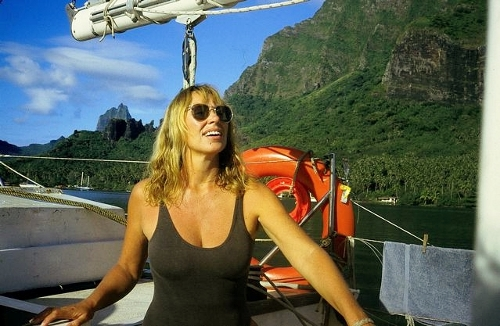 sea stories Phyllis Ray in Moorea (500x326)