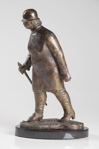 Bronze walking woman by Jeff Day  (photo courtesy of the artist