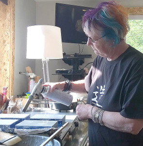 Anne Smidt at work in her studio (photo by Lori Tate)
