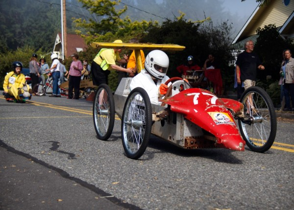 Phil Simon car is built on a Formula One chassis.