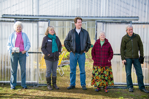 Gillian Beattie, Sandy Whiting, Vincent Nattress, Nancy Nordhoff and Lee Compton in front of the Hoophouse