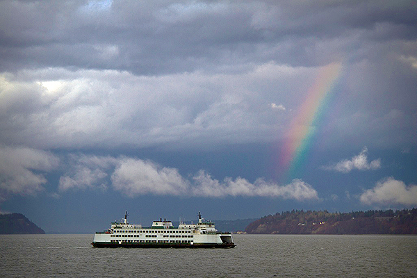 A rainbow leads the way into a New Year on Whidbey Island (photo by David Welton)