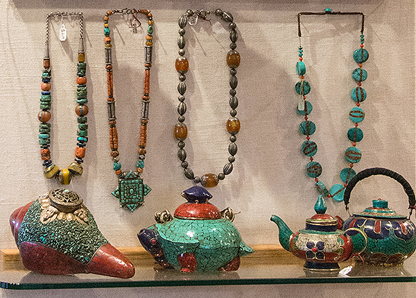 TeaPotsNecklaces-600ppi