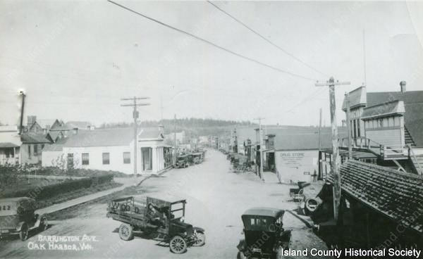 Barrington Ave. in Oak Harbor circu 1918-1920