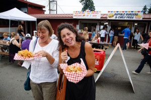 Curly fries and friends before the show (photo by David Welton)