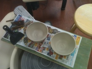 Ta da! My finished bowl (left) is set to dry.