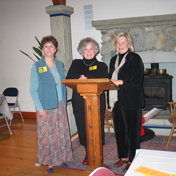 Donna Hood, Sharon Heath and Linda Casale at 2015 All Island Book Club event (photo by Donna Hood)