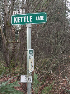 Kettle Drive will put you on the trail to see the kettles in the area.  (photo by the author)