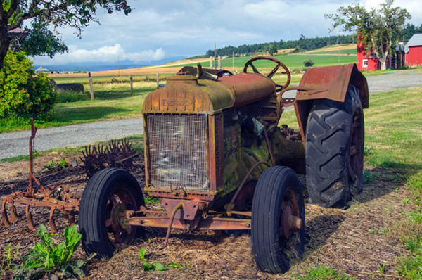 An old tractor on Ebey Road (photo by Julie Boyd)