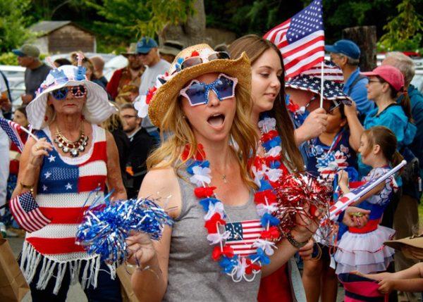 Patriotic attire was mode du jour.