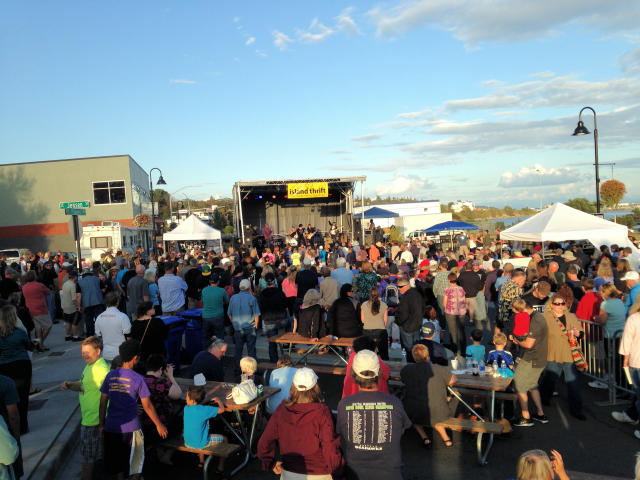 The free annual event attracts 15,000 people to Oak Harbor. (photo courtesy of the author)