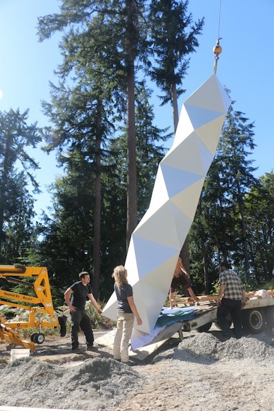 tower-being-installed-1500-px-from-taproot-architects